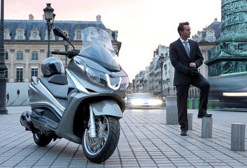 Spec price and review Piaggio Latest
