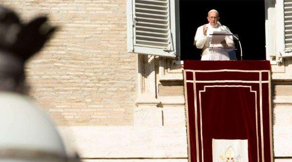Papa Francisco espera solución pacífica para Honduras