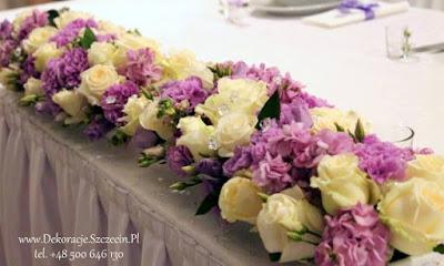 dekoracja ślubna w fioletowych kolorach