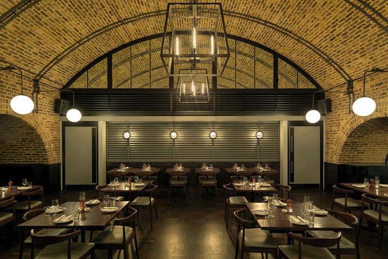 Los 29 mejores dise os de interiores de bares y - Decoracion locales hosteleria ...