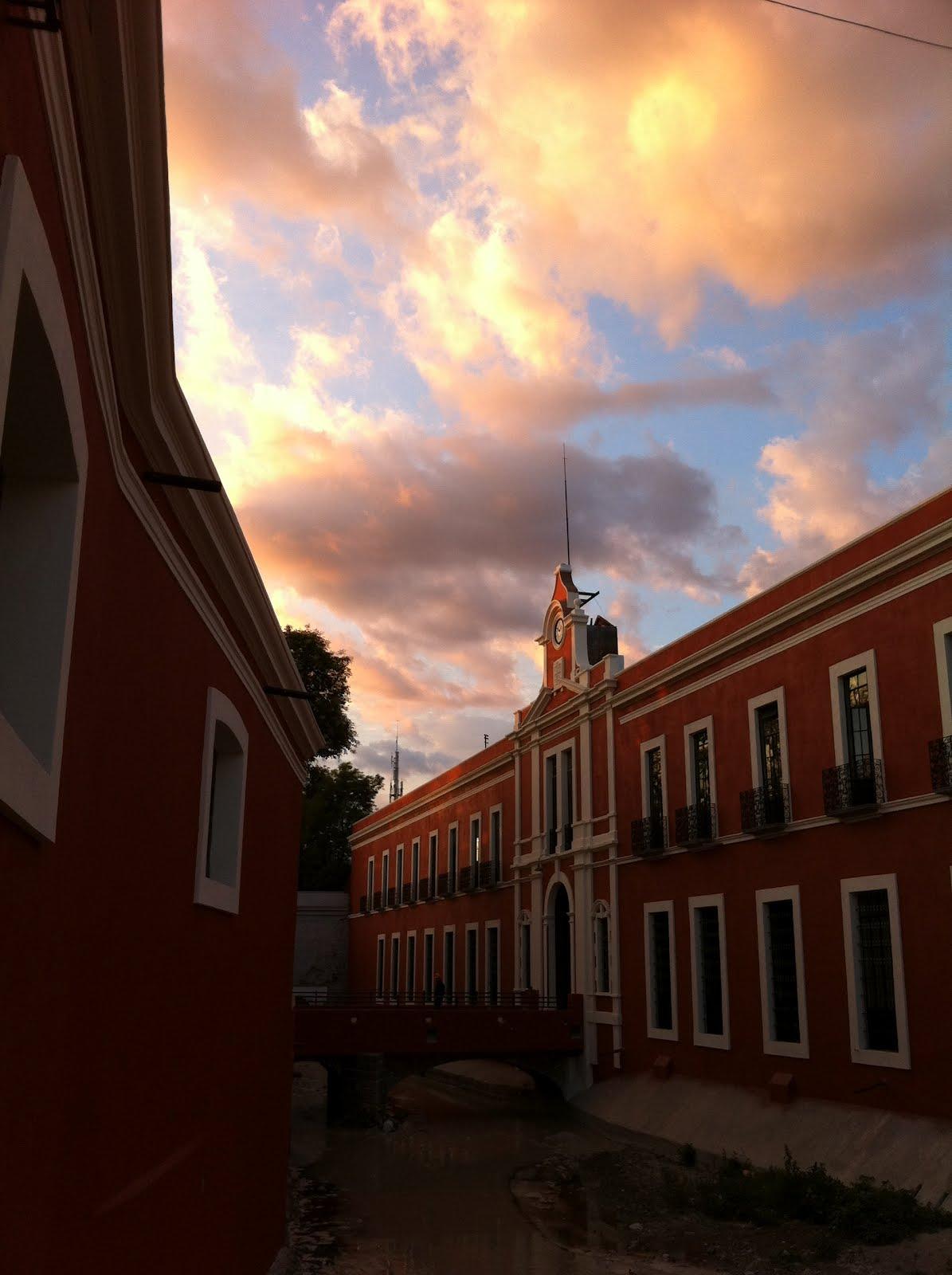 Vista de la fachada de la Constancia Mexicana