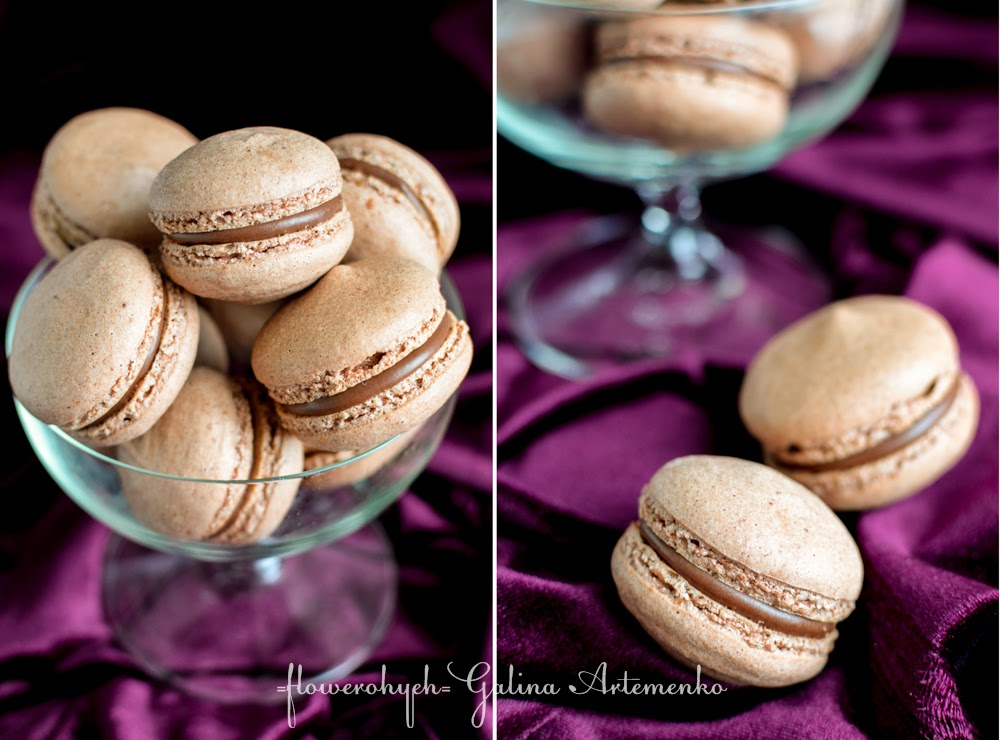 Chocolate and Crema Catalana liqueur macarons