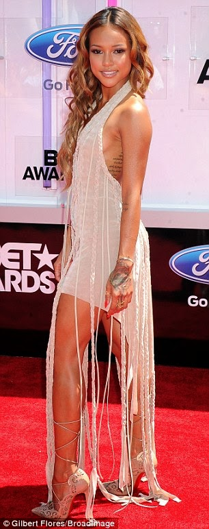 article 2674348 1F405D3900000578 524 306x772 Red Carpet photos from 2014 BET Awards + Full List of Winners