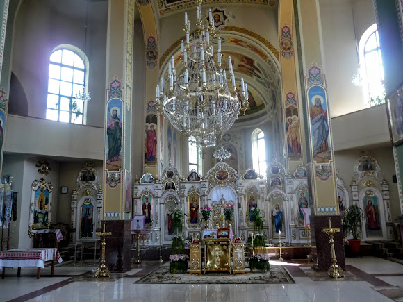 Дрогобыч. Церковь Успения Пресвятой Богородицы. 1995 г. УАПЦ