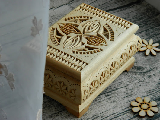 """Winter sun"" carved wooden box (2017)"