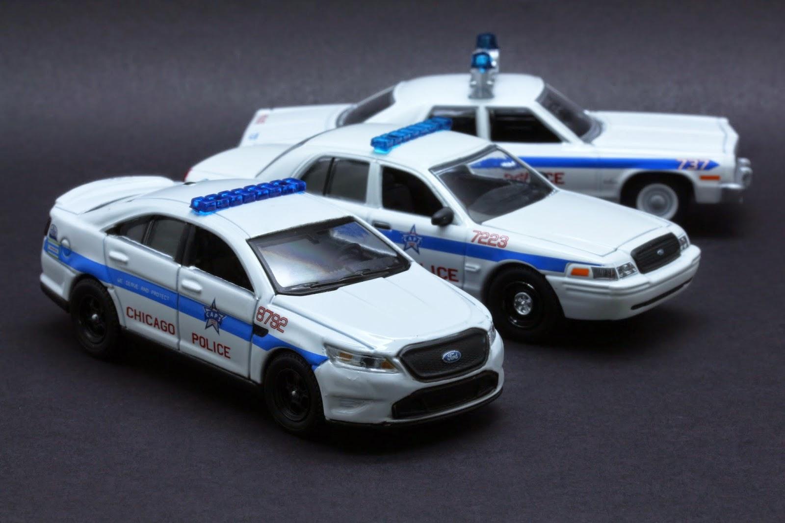 Diecast Hobbist 2013 Ford Taurus Sho Chicago Il Police