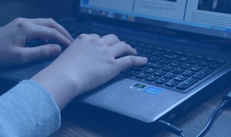 menulis postingan blog ramai pengunjung