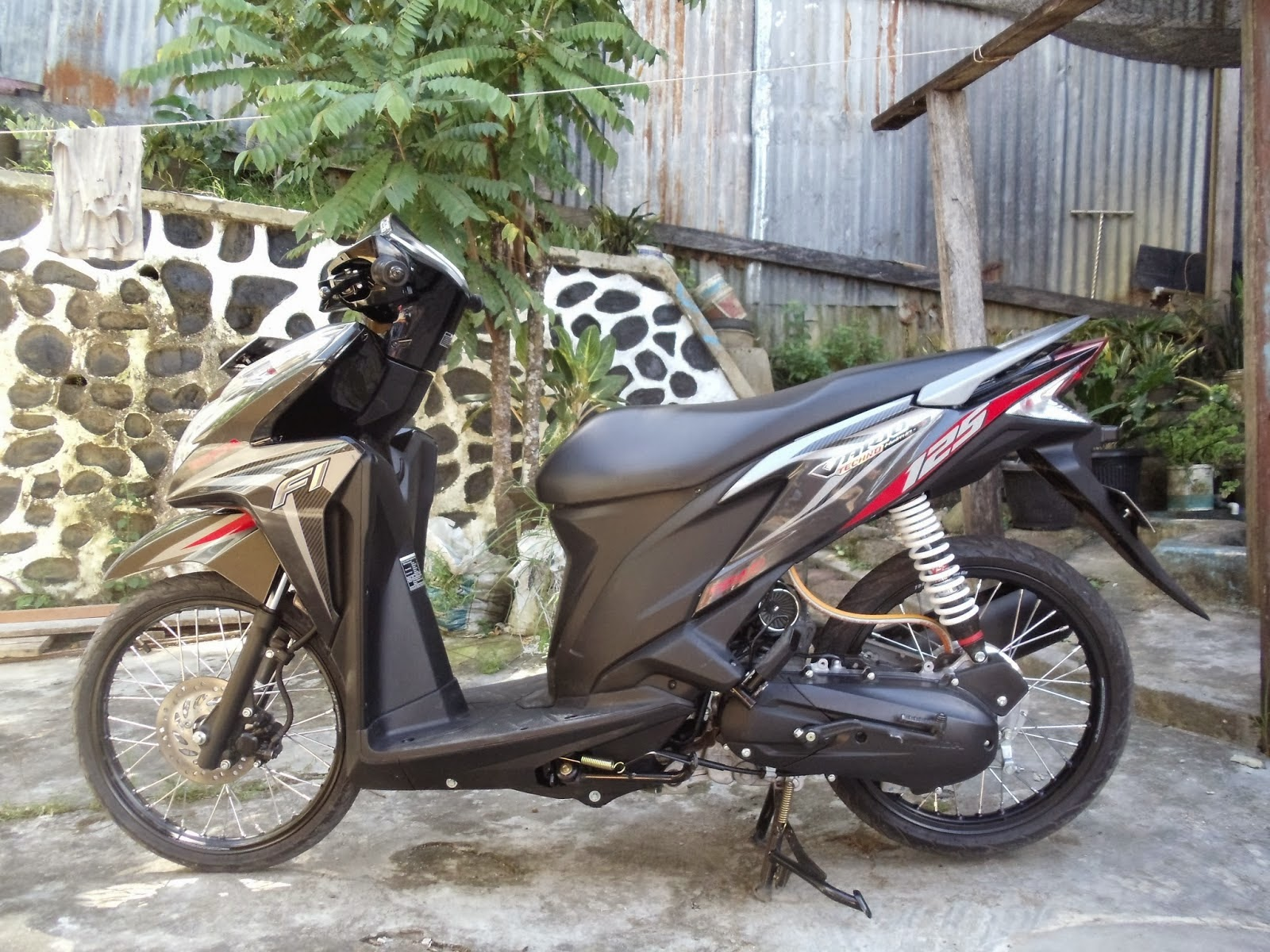 Download Koleksi Modifikasi Motor Vario 125 Ring 17 Terupdate