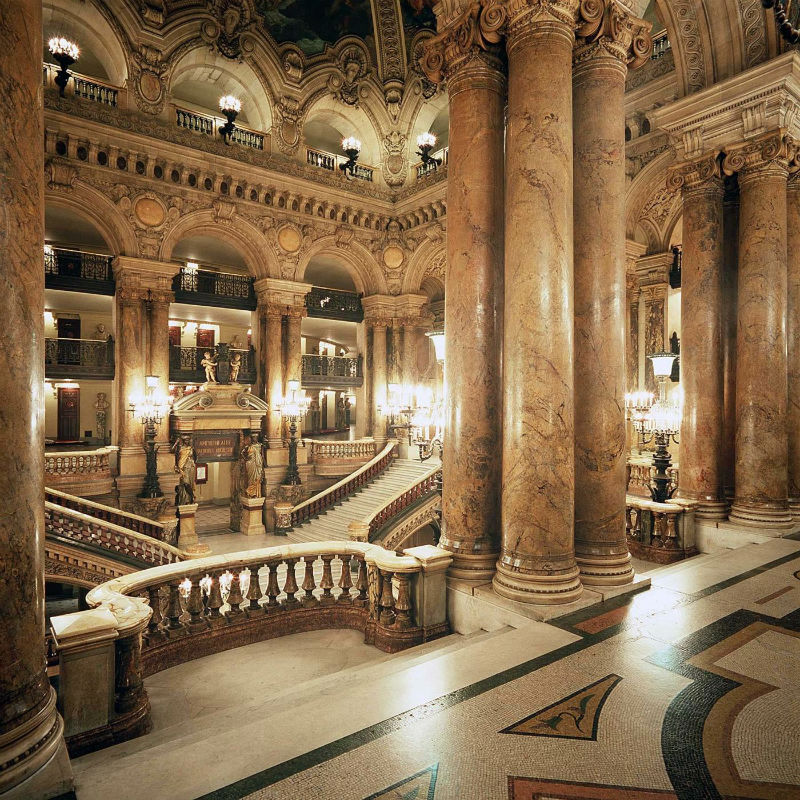 Gran Escalera desde el Avant Foyer de la Ópera Garnier