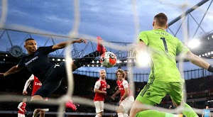 آرسنال يحقق انتصار مثير على إيفرتون بثلاثية في الجولة 27 من الدوري الانجليزي