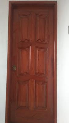 Puerta de madera para casas en Los Olivos
