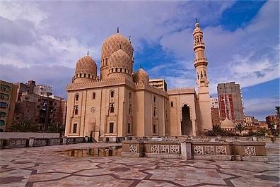 Iran Hingga Turki Berlomba Bangun Masjid di Kawasan Afrika