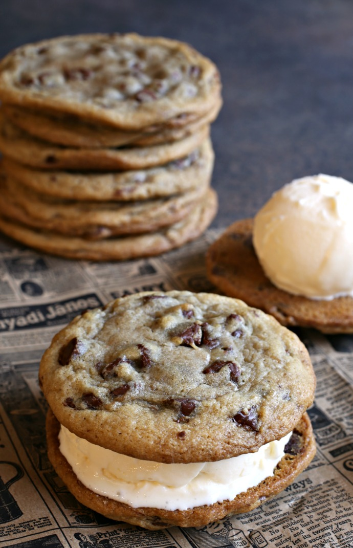 Thick-and-Gooey-Chocolate-Chip-Cookies-1