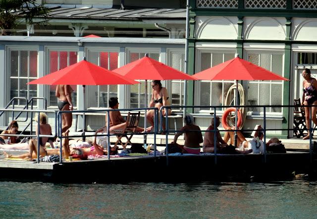 Frauenbad Women's Pool Zurich
