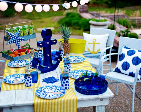 Nautical summer entertaining party ideas from for Anchor decoration party