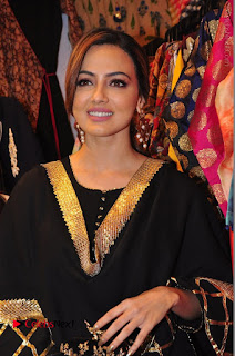 Bollywood Actress Sana Khan Launches Aakrithi Exibition  0132.JPG