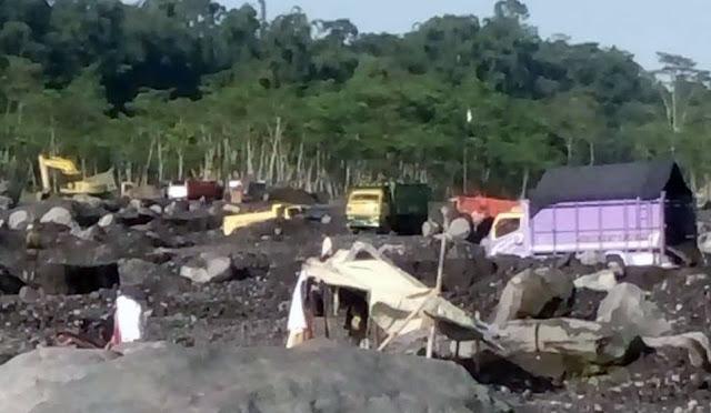 Salah satu lokasi tambang pasir di Lumajang