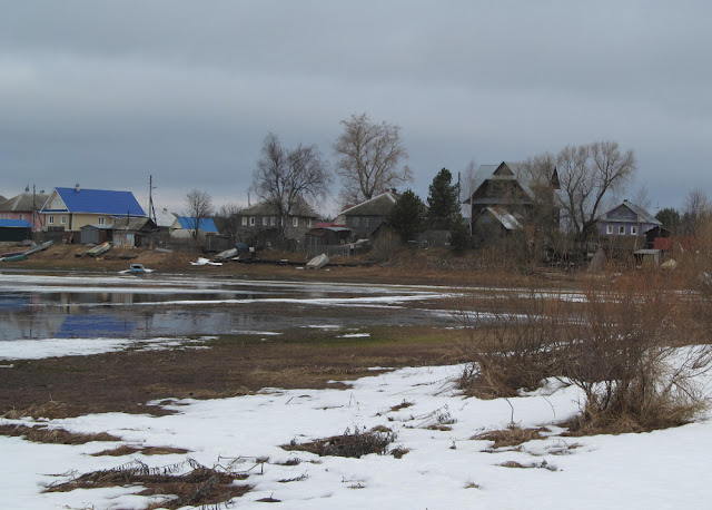 весна на реке