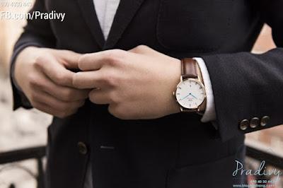Phiên bản đồng hồ DW dây da sang trọng, thích hợp với môi trường lịch sự