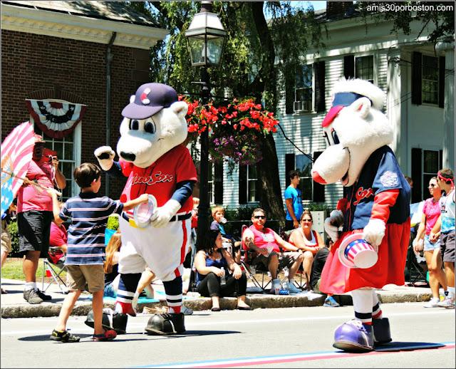 Paws y Sox Desfile 4 de Julio Bristol