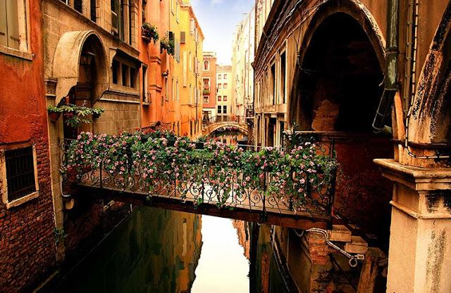 Tour em meio a histórias de assassinatos e mistérios em Veneza
