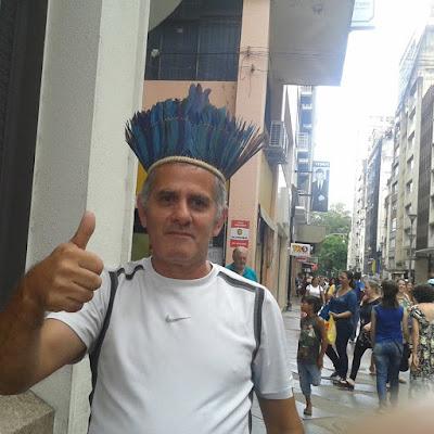 (A Causa Indígena é de Todos Nós). Um momento único na Esquina Democrática em Porto Alegre e na Capital dos Gaúchos - Imagens Pessoais de Charles Netto.