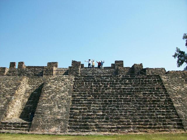 Teopanzolco Ruins - Leonardo Sanchez Miranda
