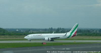 Boeing 737-800 o rejestracji EI-EOJ w barwach Air Poland