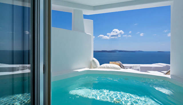 Canaves Oia Suites invites guests seeking luxury accommodation in Oia Santorini to relish in the elegance of a most cherished vacation retreat in Greece.