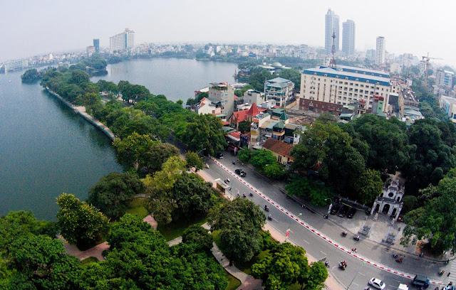 Đường Thanh Niên quận Tây Hồ.