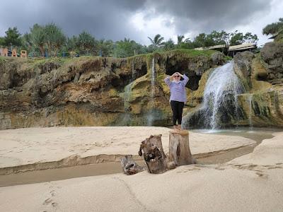 Spot Foto Pantai Banyu Tibo