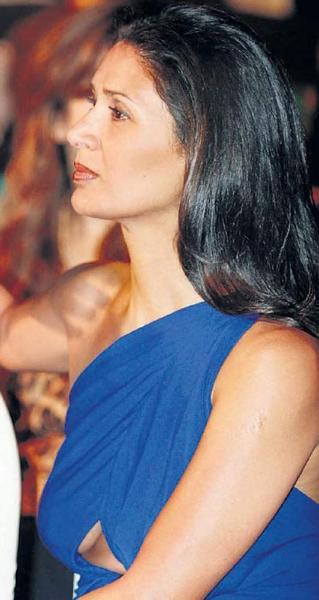 arjun-rampal-wife-Mehar Wardrobe Malfunction, Bollywood wardrobe malfunction