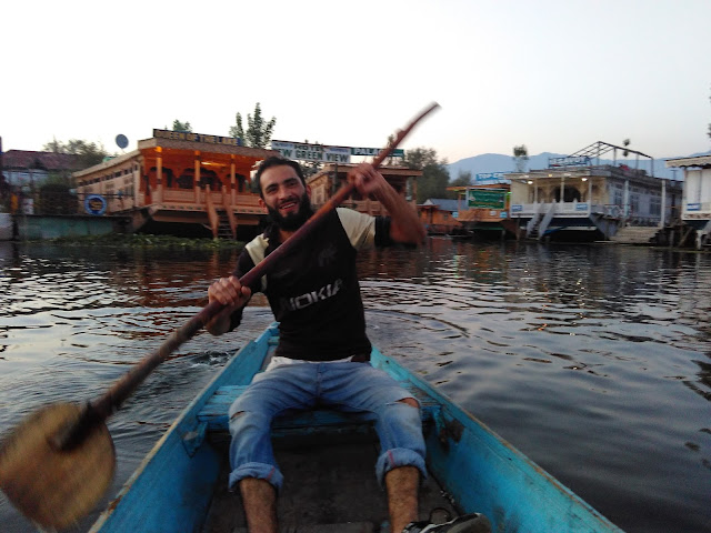 boating in dal lake