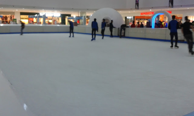 Sensasi Maen Ice Skating di Cibinong City Mall