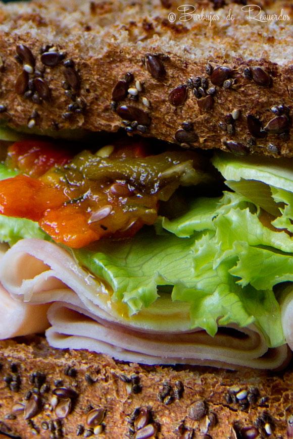 Sandwich con pan de molde 100% integral