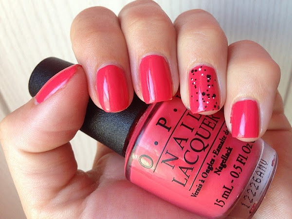 OPI - I EAT MAINELY LOBSTER & CONFETTIS