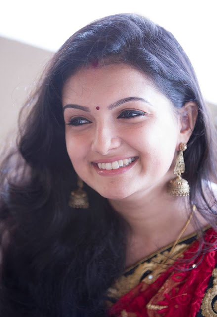 Saranya Mohan Wiki, Height, Weight, Age, Husband, Family and Biography