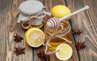 Bebida casera con limón