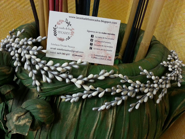 Cinturon para novia realizado con pistilos de porcelana fria