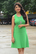 Poonam Kaur latest sizzling photos-thumbnail-13