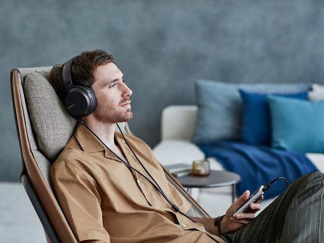 Sony MDR-Z7M2 headphones