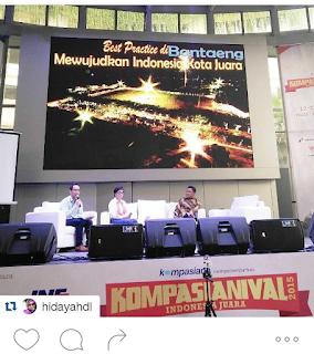 Blogger Eksis menjadi moderator di acara Kompasianival
