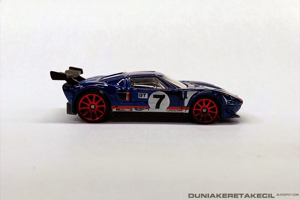 This Is The Racing Model Of The Ford Gt It Features A Lemans Racing Setup Including The Rear Spoiler And Chin Spoiler