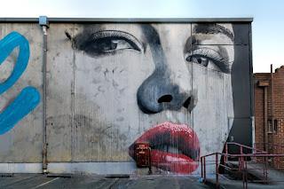 mujeres-en-murales-pintadas