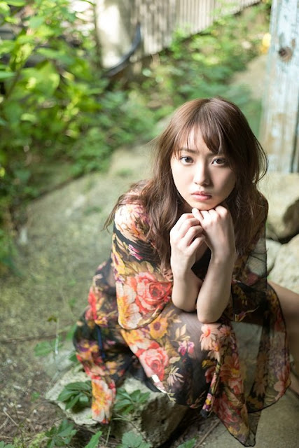 AKB48 Kizaki Yuria Gravure YCM 010