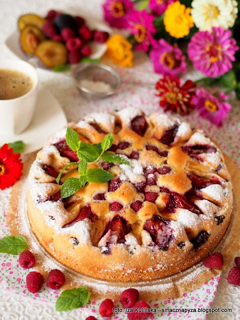 placek z owocami, ciasto  biszkoptowe, owoce, moje wypieki, domowe wypieki, ciasto na niedziele, smaczne ciasto, najsmaczniejsze ciasto, proste  ciasto