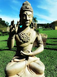 Gestos da Deusa Hindu - Jardim das Esculturas, Júlio de Castilhos (RS)