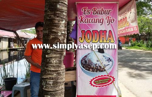 """JODHA :  Sekilas namanya mirip salah satu tokoh dalam STAR WARS namun inilah Bubur Kacang Ijo """"JODHA"""" di Pontianak.  Foto Asep Haryono"""