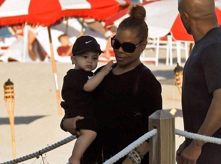 New photo of Janet Jackson and her cute son, Eissa