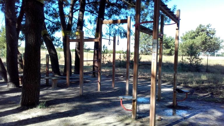 parque infantil no parque de Merendas
